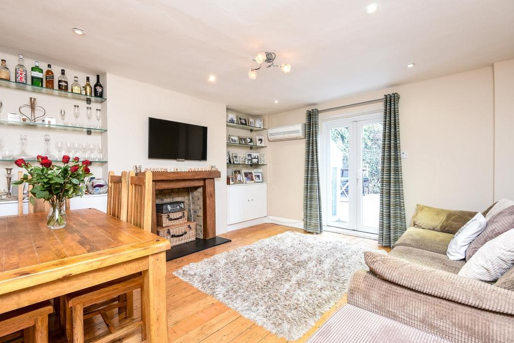 2 Bedrooms Flat for sale in Belsize Road, South Hampstead, NW6