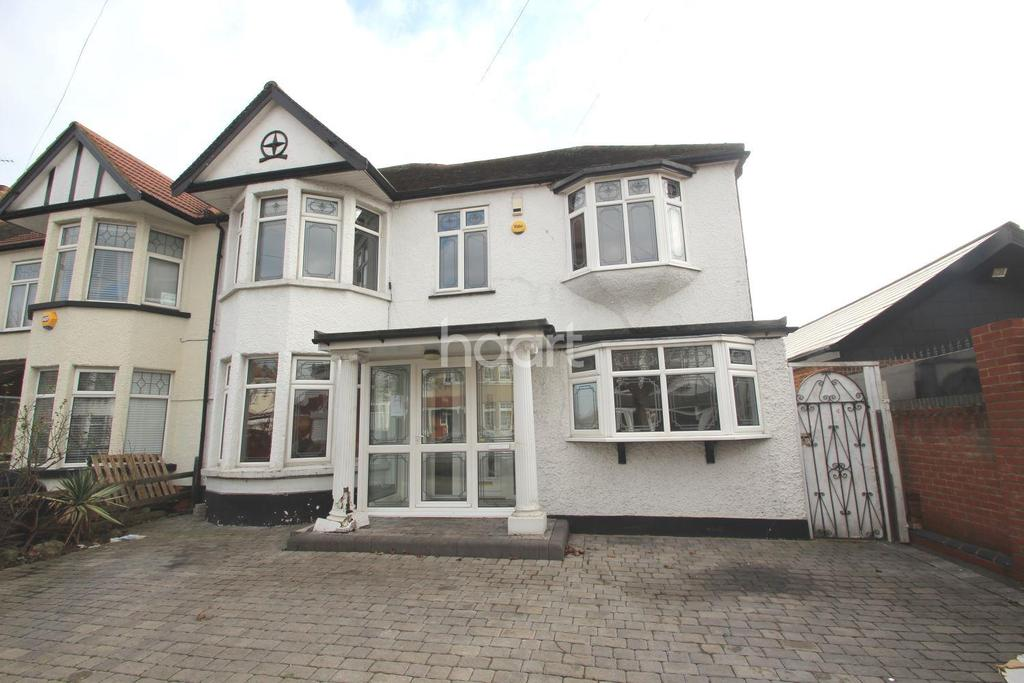 5 Bedrooms Semi Detached House for sale in Collinwood Gardens, Clayhall