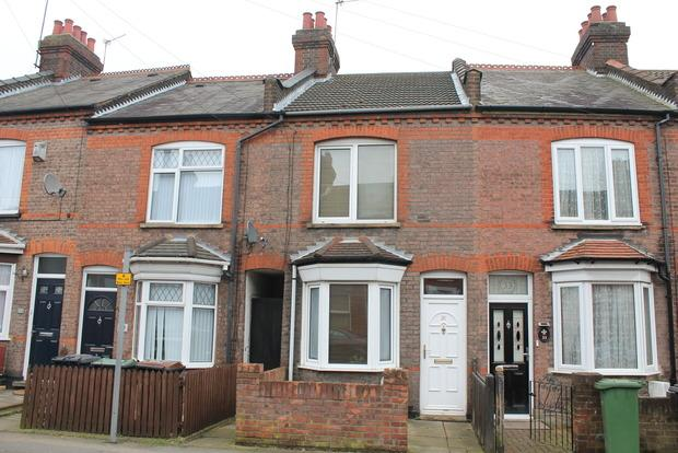 2 Bedrooms Terraced House for sale in Ramridge Road, Luton, LU2