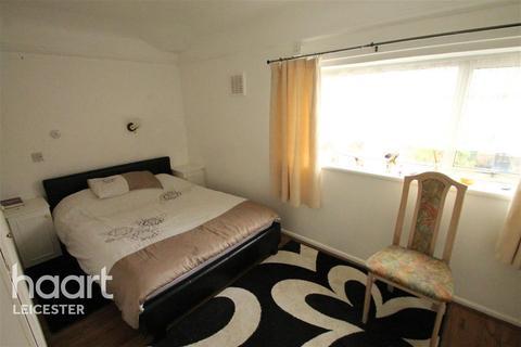 1 bedroom house share to rent - Battersbee Road