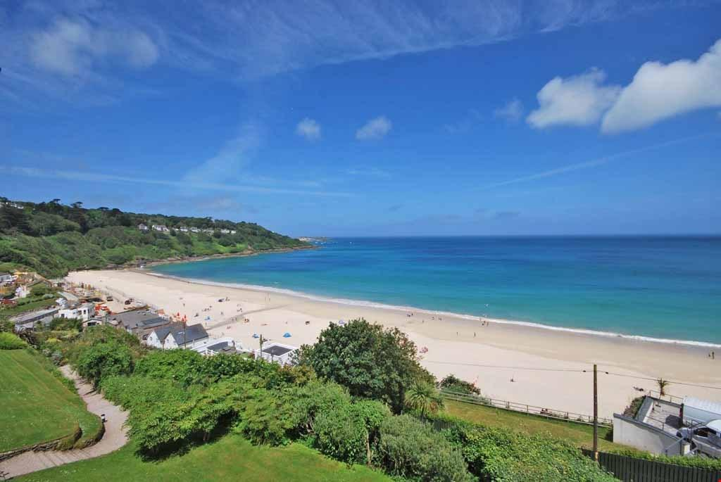 2 Bedrooms Apartment Flat for sale in Carbis Bay, St Ives, Cornwall, TR26