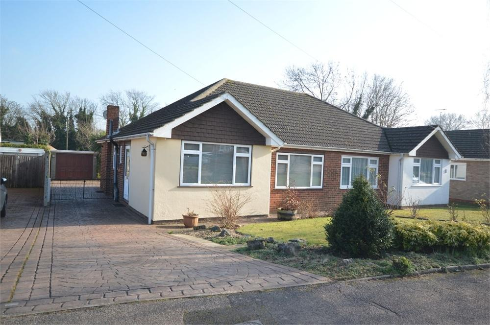 2 Bedrooms Semi Detached Bungalow for sale in Foxwood Way, New Barn