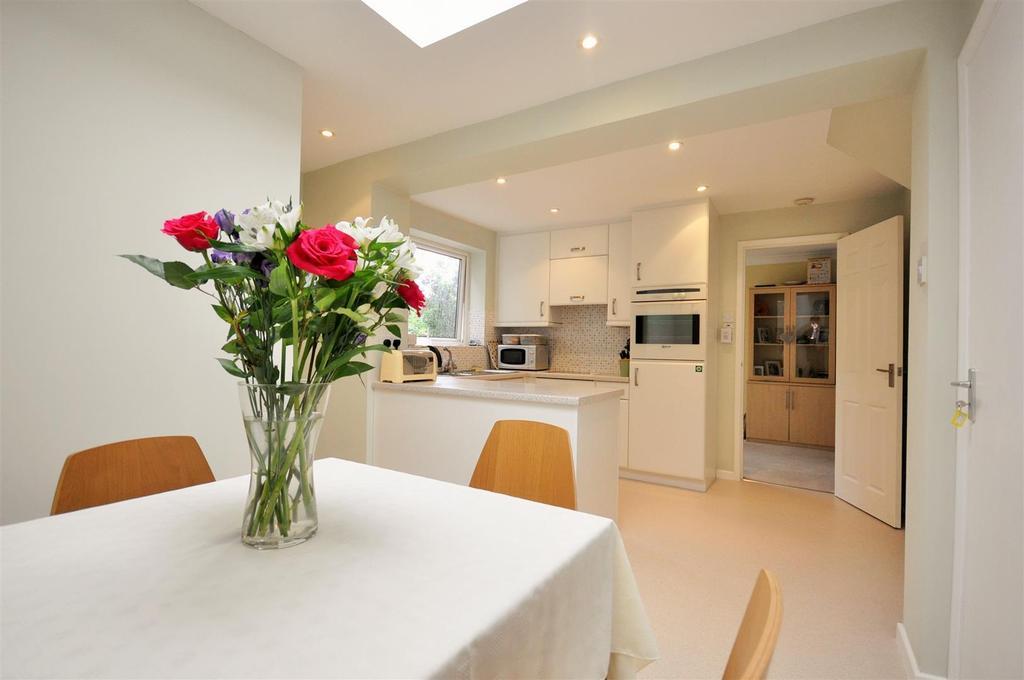 4 Bedrooms Detached House for sale in Arthur Place, Skelton, York