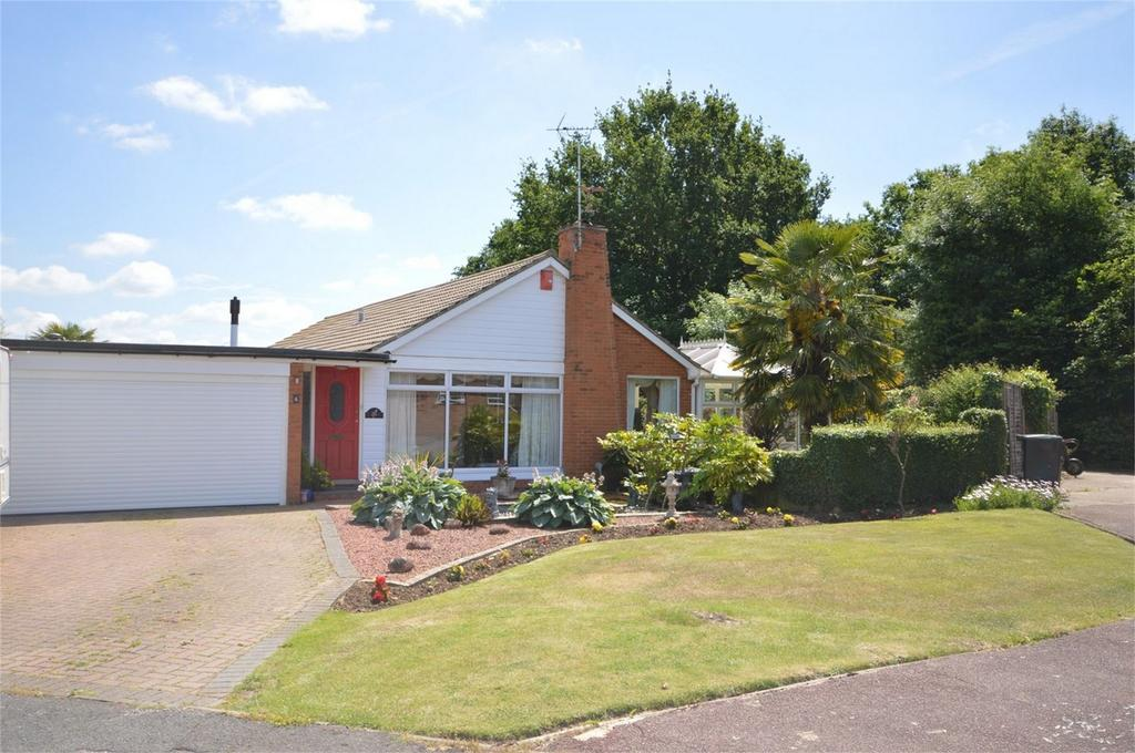4 Bedrooms Detached Bungalow for sale in 6 Perryfield, Matching Green, Essex
