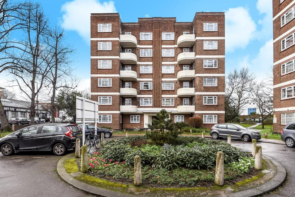2 Bedrooms Flat for sale in Gunnersbury Court, Bollo Lane, Acton, W3