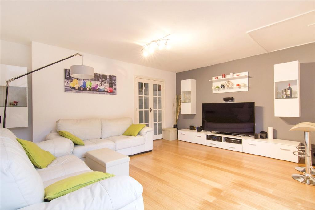 3 Bedrooms Flat for sale in Cottage Street, London, E14