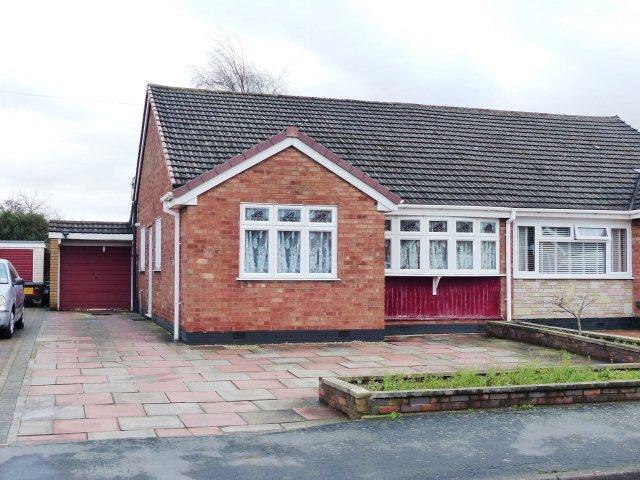 2 Bedrooms Semi Detached Bungalow for sale in Westbourne Avenue,Cheslyn Hay,Staffordshire