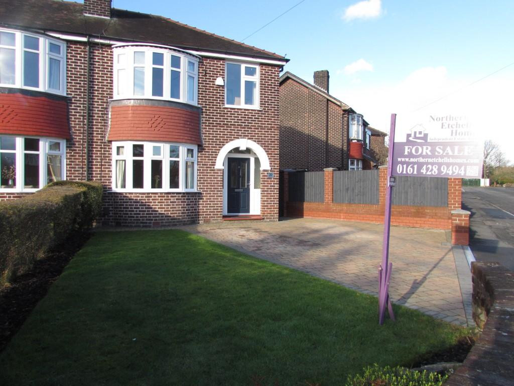3 Bedrooms Semi Detached House for sale in Pendlebury Road, Cheadle