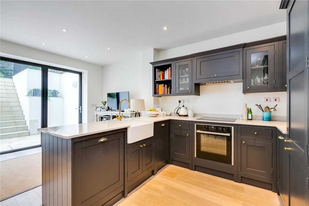 3 Bedrooms Flat for sale in West Hill, Putney, London