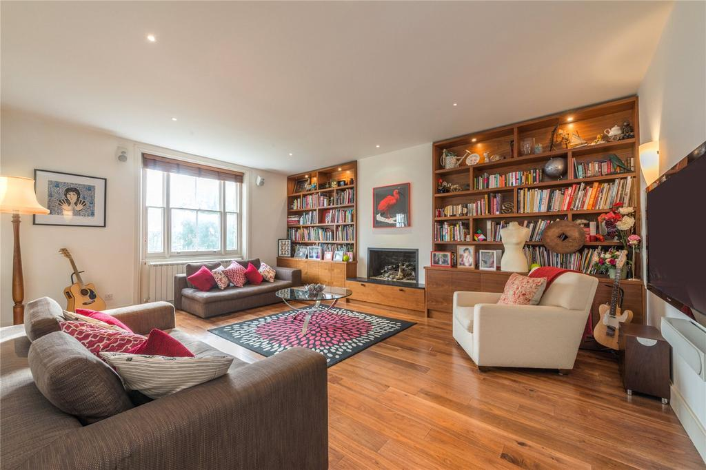 2 Bedrooms Flat for sale in Thurlow Road, Hampstead, London