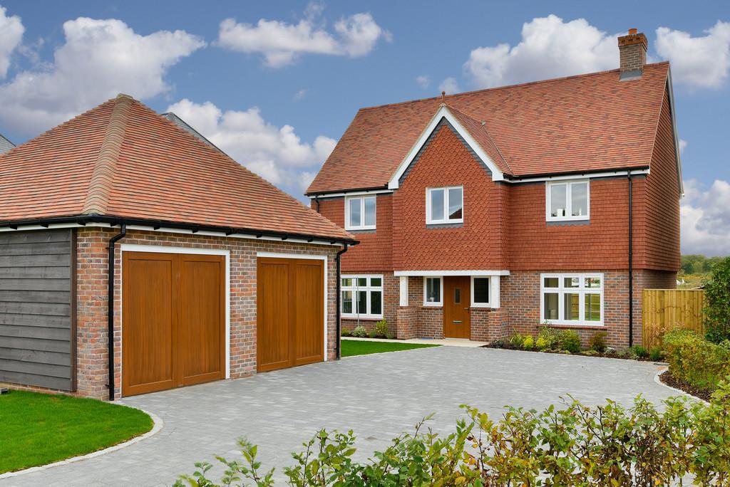 4 Bedrooms Detached House for sale in Storrington Road, Thakeham