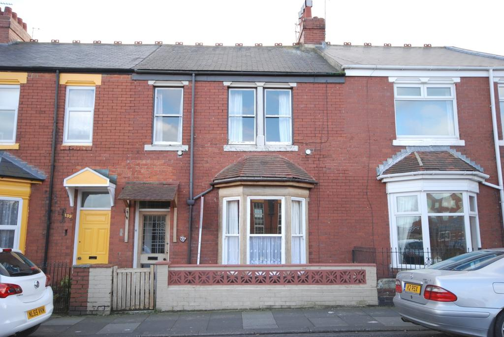3 Bedrooms Terraced House for sale in Sea Road, Fulwell
