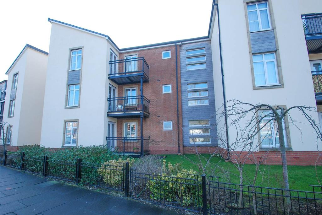 3 Bedrooms Flat for sale in Aspen Place, South Shields