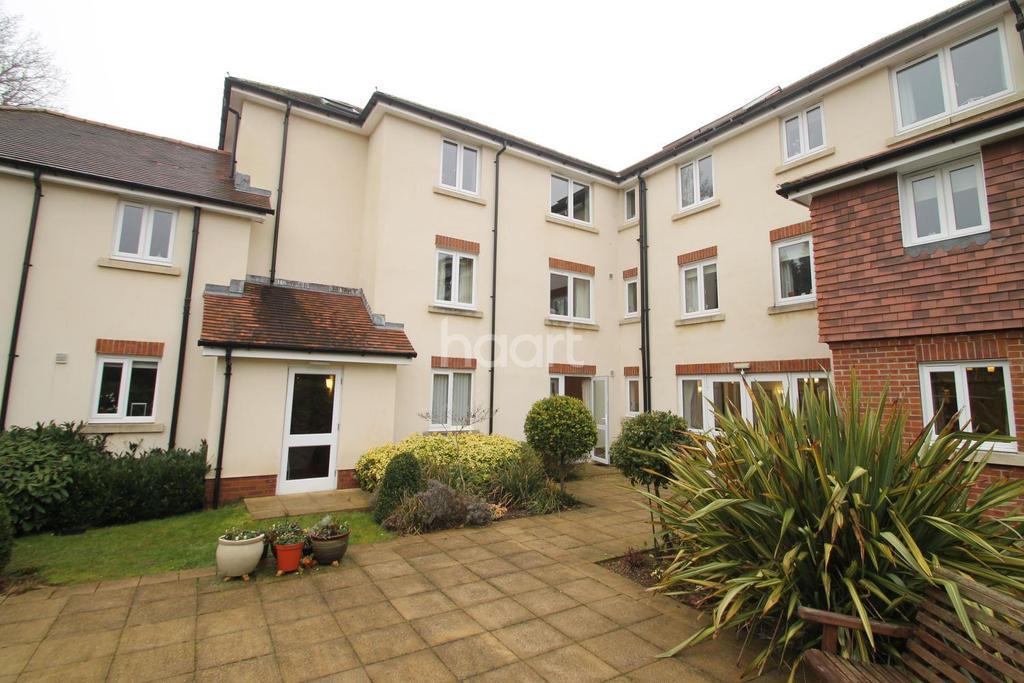 1 Bedroom Flat for sale in Headley Road, Grayshott, Hindhead, Surrey