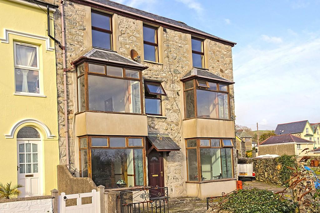 6 Bedrooms End Of Terrace House for sale in Cambrian Terrace, Criccieth, North Wales