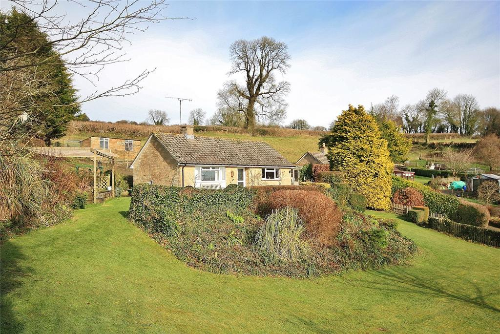 3 Bedrooms Bungalow for sale in Wayford, Crewkerne, Somerset, TA18