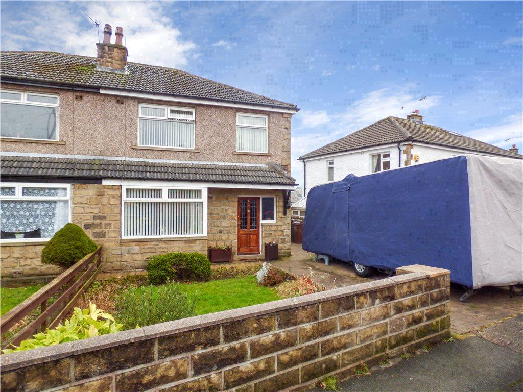 3 Bedrooms Semi Detached House for sale in Lawcliffe Crescent, Haworth, Keighley, West Yorkshire