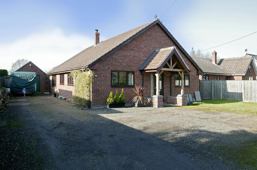 4 Bedrooms Detached Bungalow for sale in Station Road, Aslacton