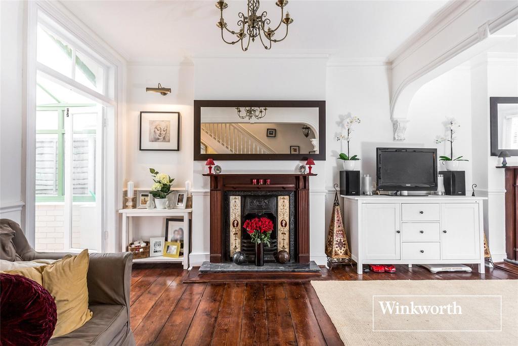 3 Bedrooms Detached House for sale in Strafford Road, High Barnet, Herts, EN5