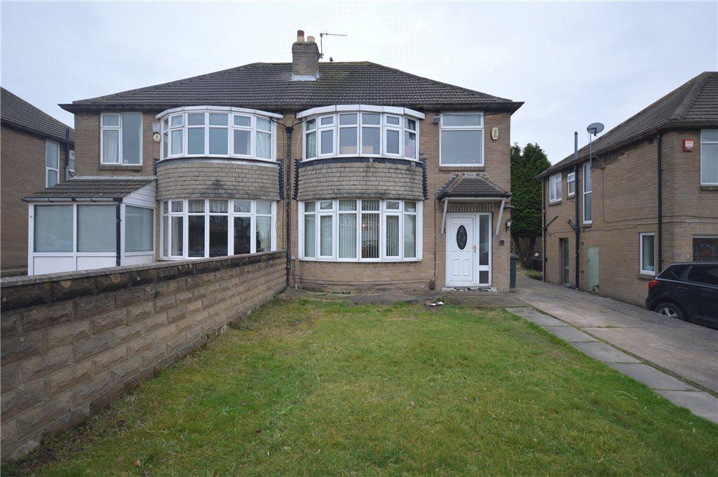 4 Bedrooms Semi Detached House for sale in Carr Manor Road, Moortown, Leeds