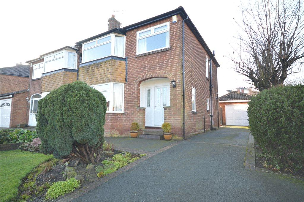 3 Bedrooms Semi Detached House for sale in Carr Hill Avenue, Calverley, Pudsey, West Yorkshire