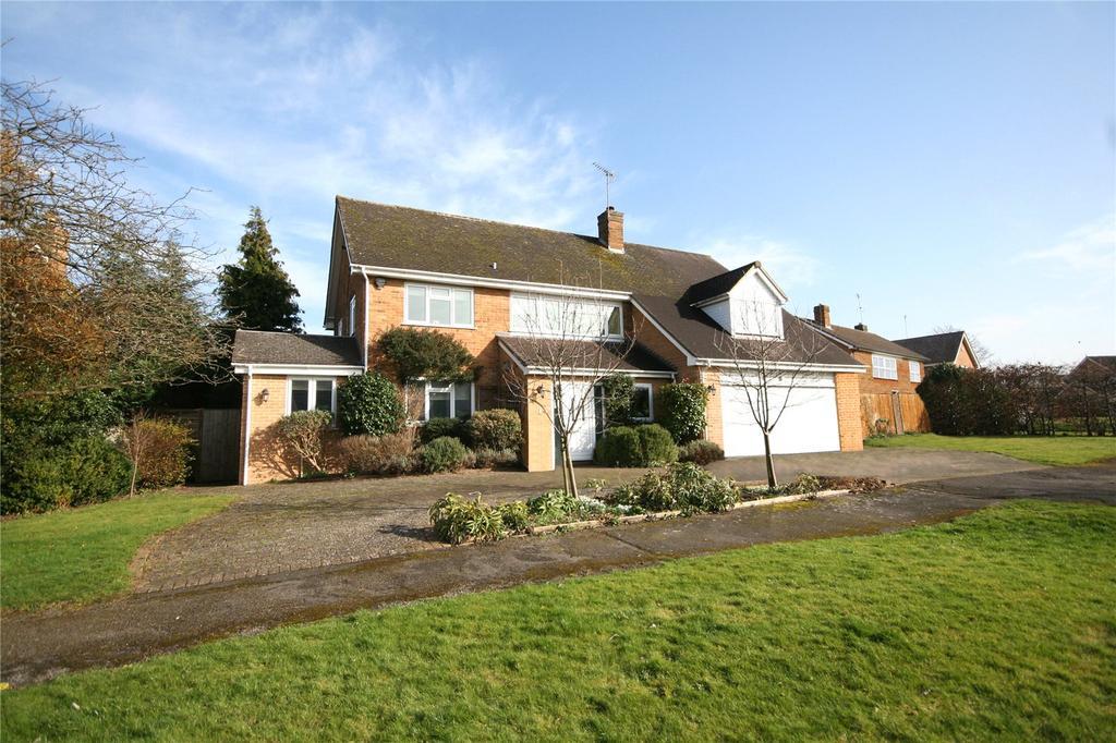 5 Bedrooms Detached House for sale in Newcourt Park, Charlton Kings, Cheltenham, GL53