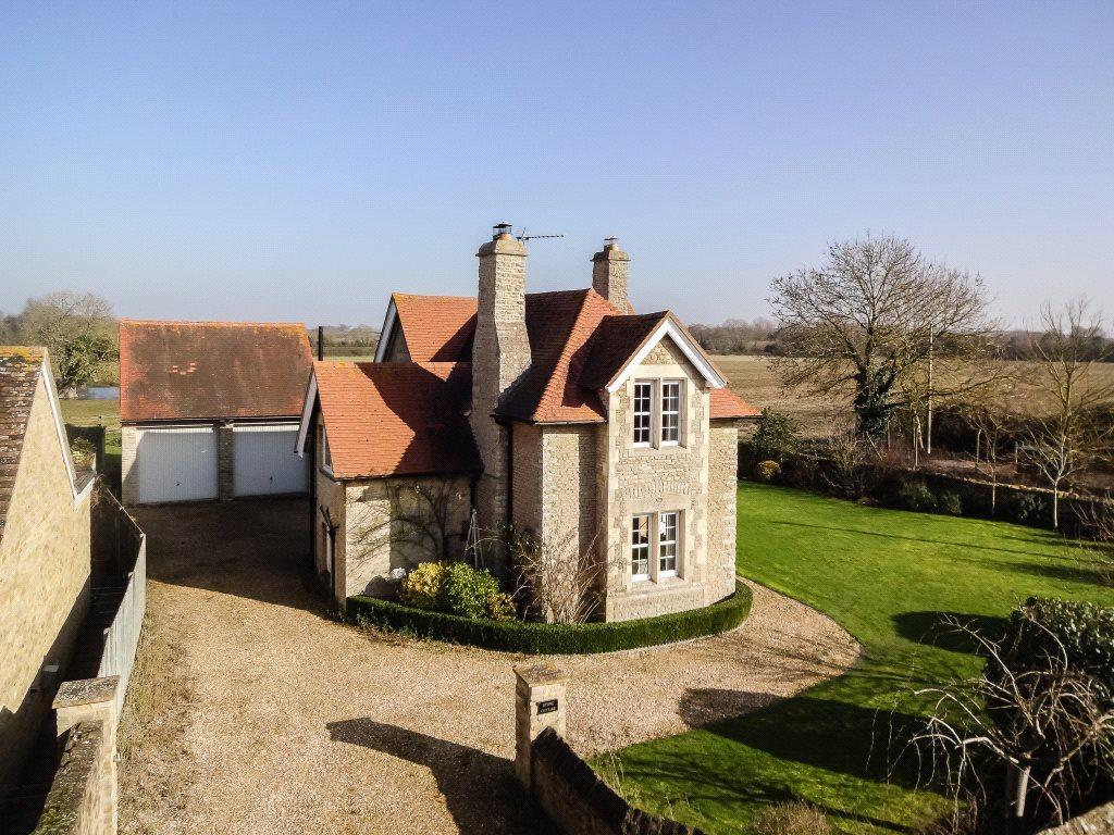 3 Bedrooms Detached House for sale in Launton Road, Stratton Audley, Bicester, Oxfordshire