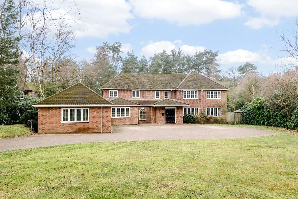 5 Bedrooms Detached House for sale in Prince Consort Drive, Ascot, Berkshire