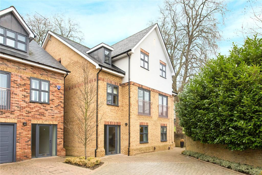 4 Bedrooms Semi Detached House for sale in St. Josephs Court, Bishop's Stortford, Hertfordshire, CM23