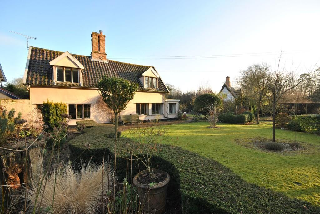 3 Bedrooms Detached House for sale in Langton Green, Suffolk