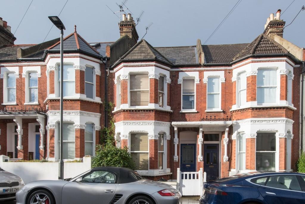 1 Bedroom Flat for sale in Bramfield Road, Battersea, London