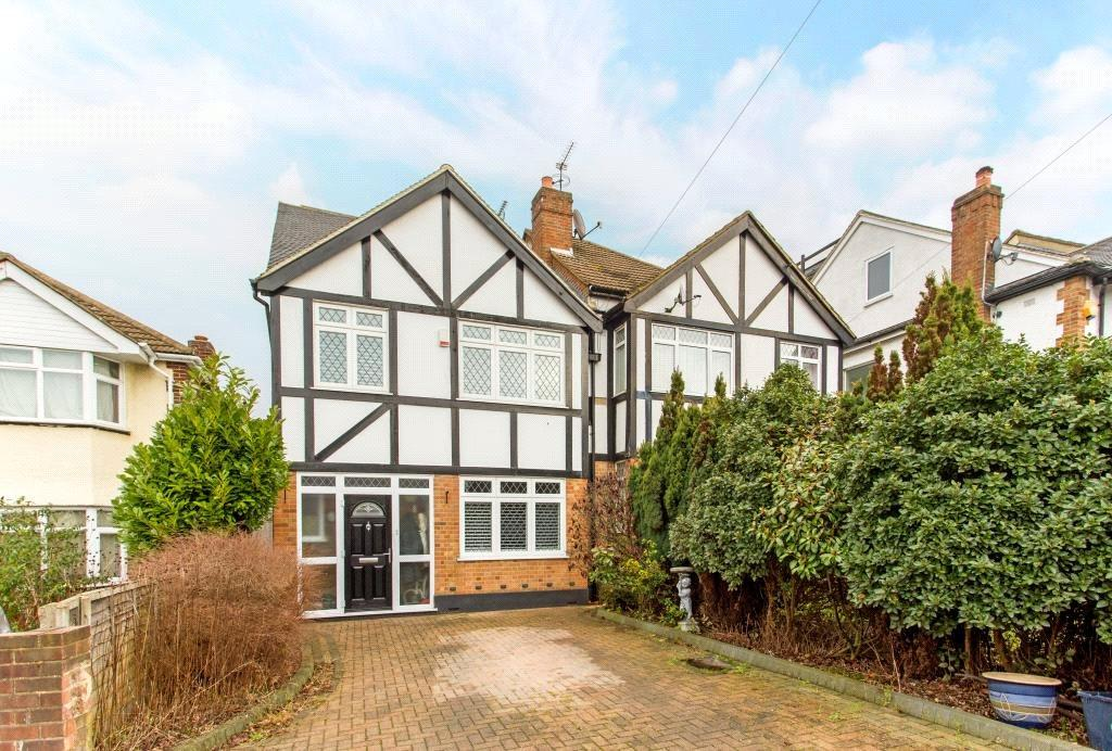 4 Bedrooms Semi Detached House for sale in Devon Close, Buckhurst Hill, Essex, IG9