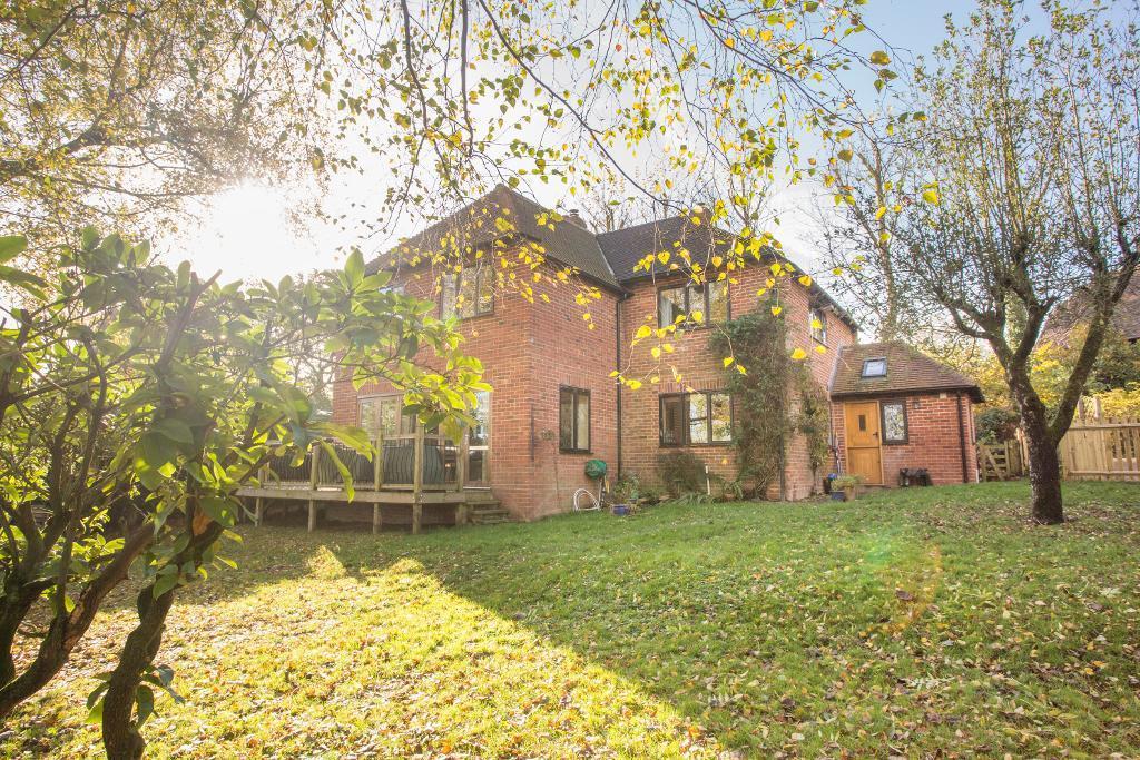 4 Bedrooms Detached House for sale in Newick Lane, Heathfield, East Sussex, TN21 8PY