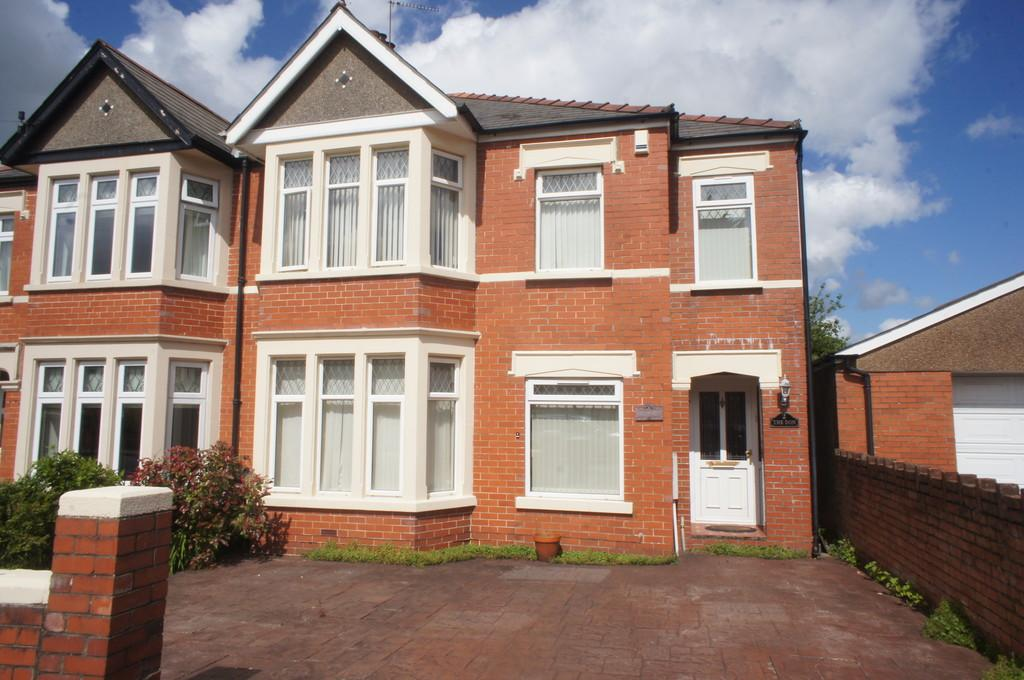 4 Bedrooms Semi Detached House for sale in St Denis Road, Heath
