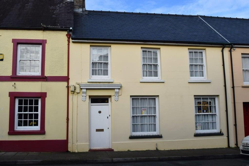 4 Bedrooms Terraced House for sale in Hill Street, Haverfordwest