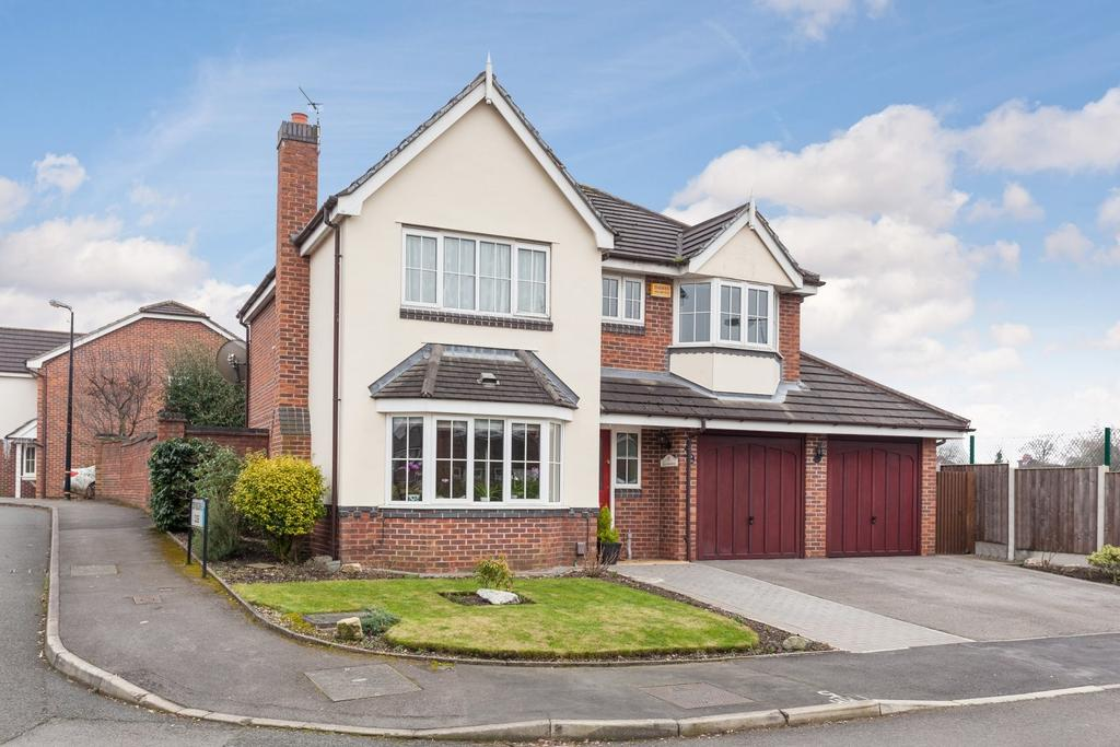 4 Bedrooms Detached House for sale in Wentworth Avenue, Timperley, Altrincham