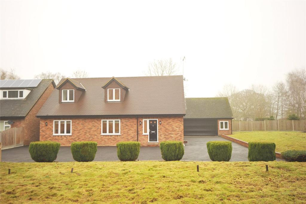 3 Bedrooms Detached House for sale in Hutton Village, Hutton, Brentwood, Essex, CM13