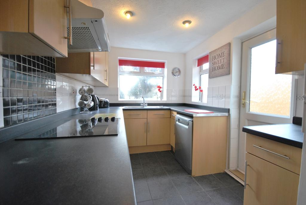 3 Bedrooms Terraced House for sale in Gareth Grove Bromley BR1