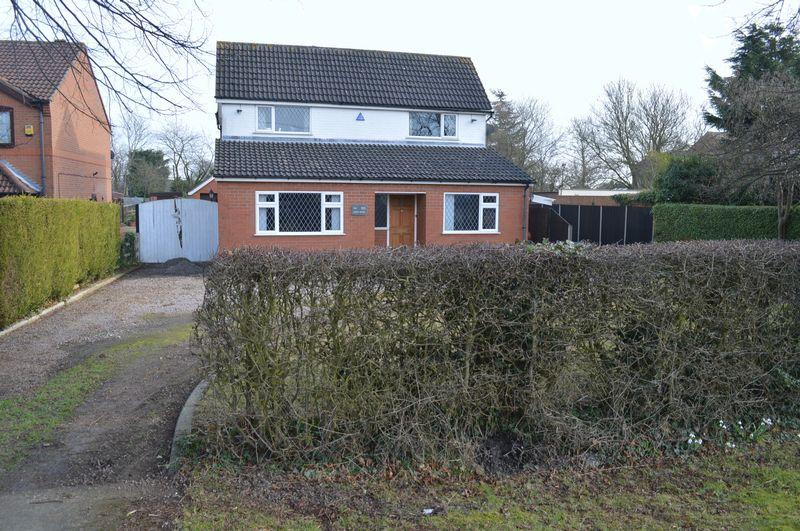 3 Bedrooms Detached House for sale in Grantham Road, WADDINGTON