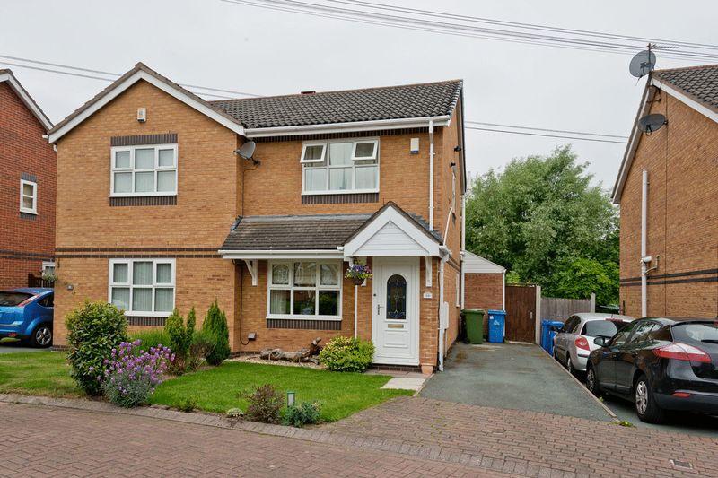 2 Bedrooms Semi Detached House for sale in Tetchill Close, Norton, Runcorn