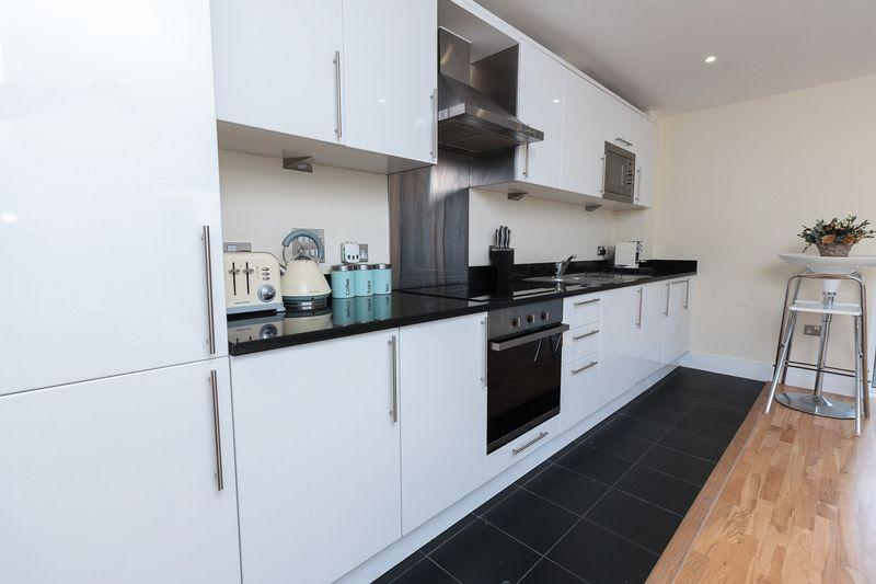 2 Bedrooms Apartment Flat for sale in Merryweather Place, Greenwich, SE10