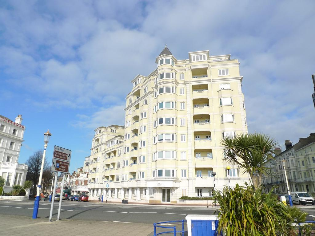 2 Bedrooms Flat for sale in Devonshire Mansions, Grand Parade, Eastbourne, BN21