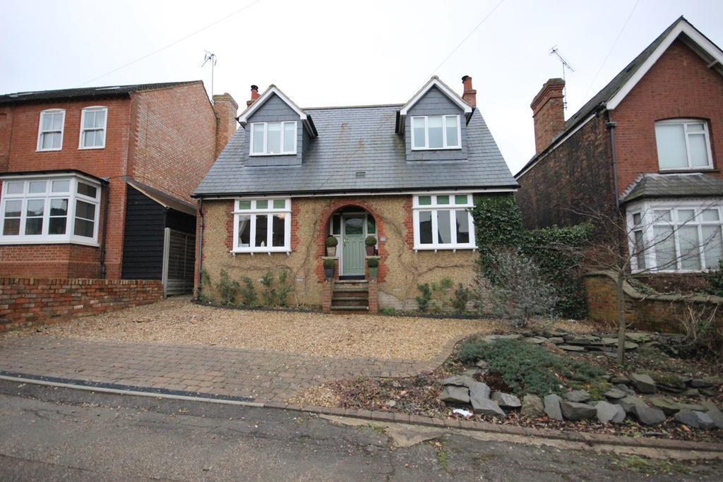5 Bedrooms Detached House for sale in Ashburnham Road, Ampthill, Bedford, MK45