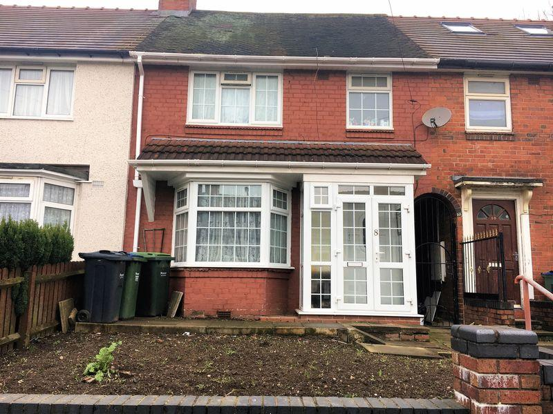 3 Bedrooms Terraced House for sale in Three bedrooms terrace house in West Bromwich near to town and tram station .