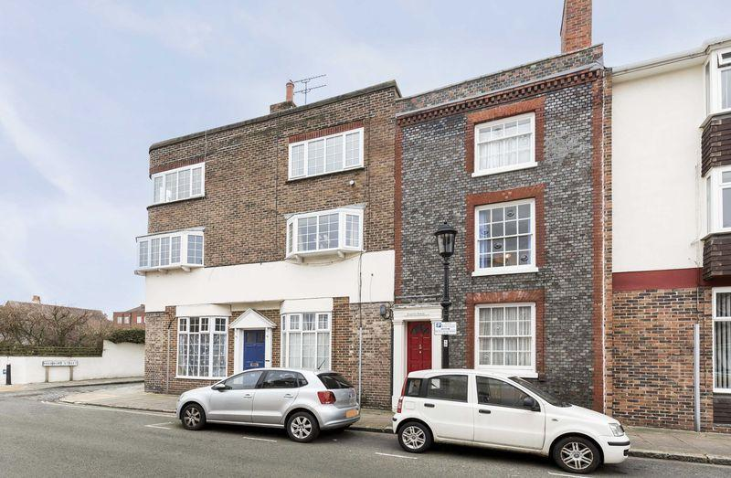 3 Bedrooms Terraced House for sale in St Thomas's Street, Old Portsmouth