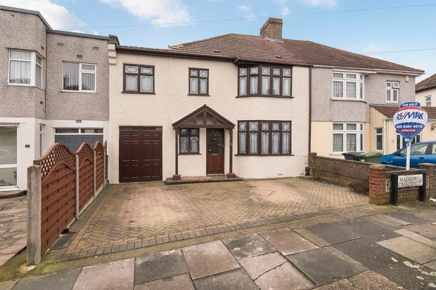 4 Bedrooms Semi Detached House for sale in Madison Crescent, Bexleyheath, DA7