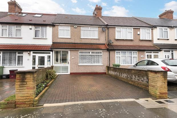 3 Bedrooms Terraced House for sale in Glenview, Abbey Wood, SE2