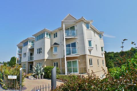 3 bedroom flat for sale - Alum Chine