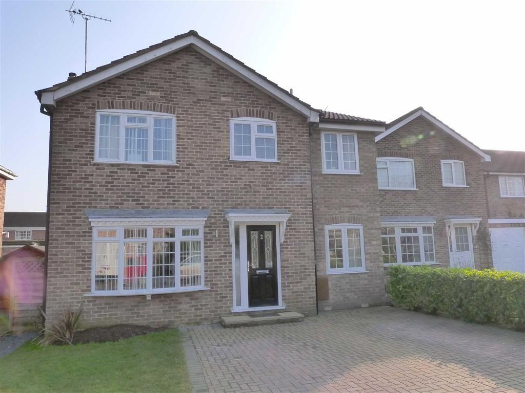 4 Bedrooms Detached House for sale in Cricketers Way, Wilberfoss