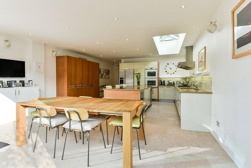 5 Bedrooms Semi Detached House for sale in Swanage Road, Wandsworth, London, SW18